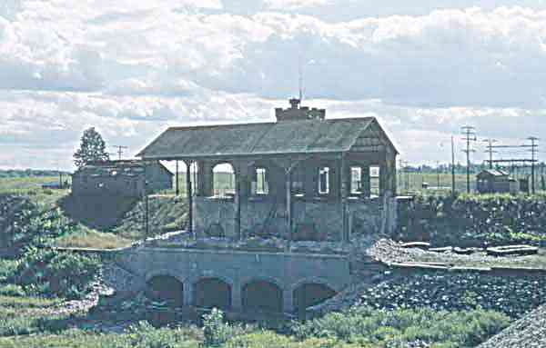4_Remains-of-Power-House1_-_now_a_popular_dive_site